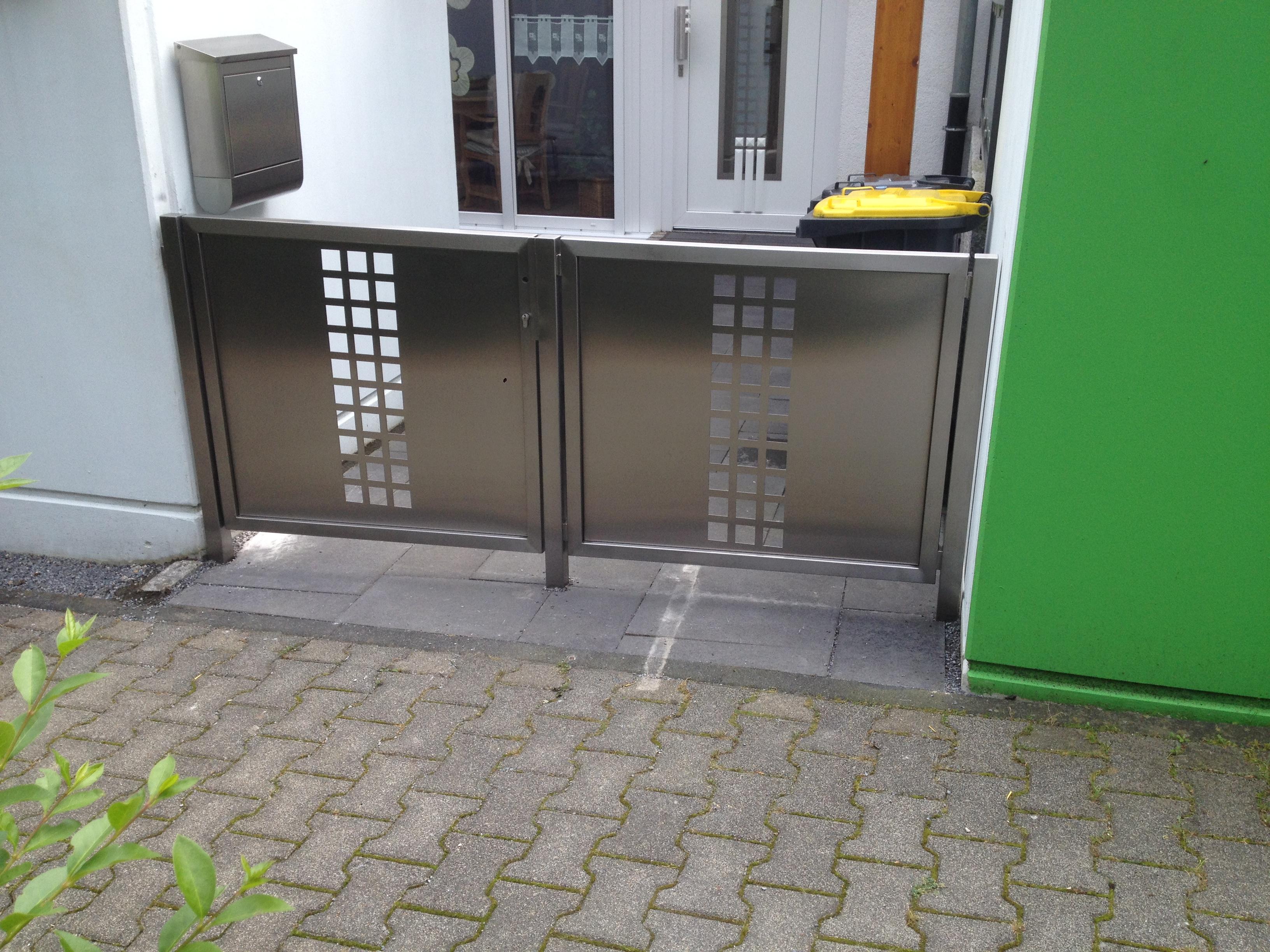 Metallbau Wuppertal Gelander Edelstahltor Mit Lochblechfullung